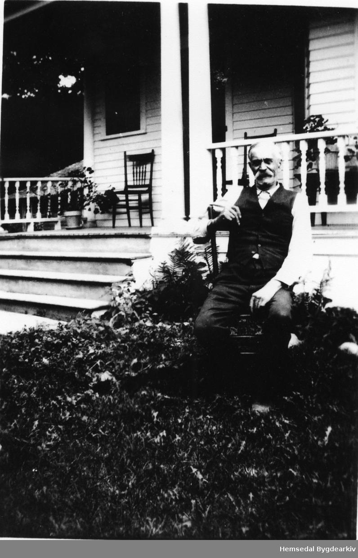Svein E. Ulsaker på 80-årsdagen, fødd 1853. Emigrerte til USA