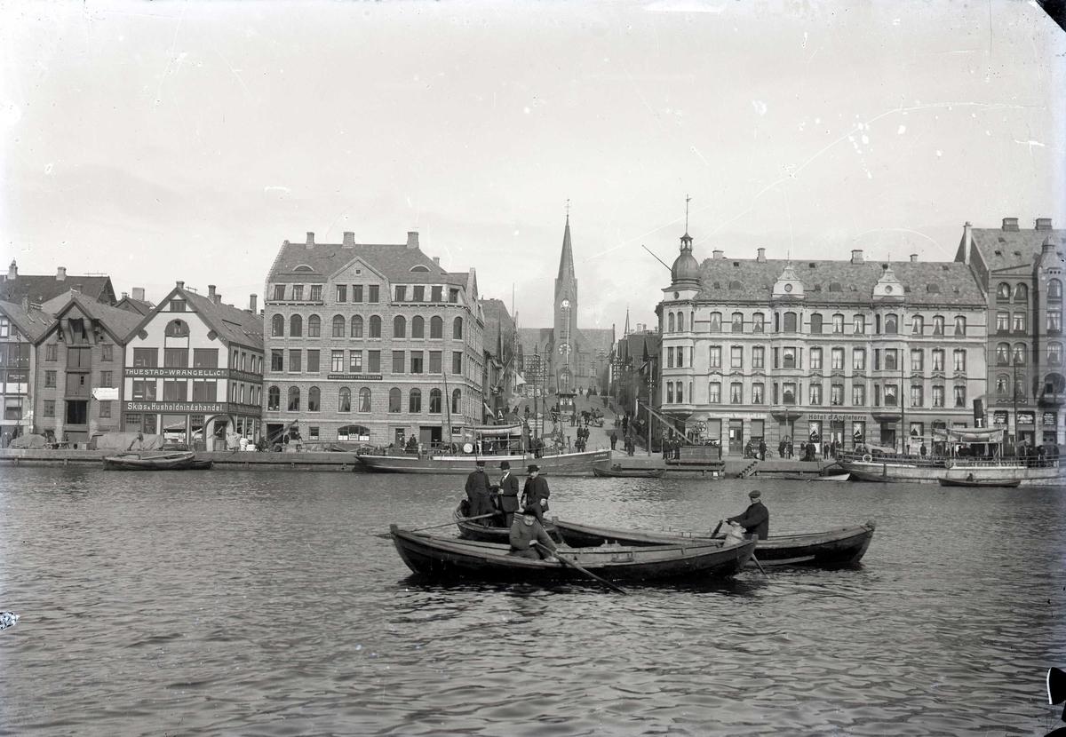 Havn - småfartøy - kirke