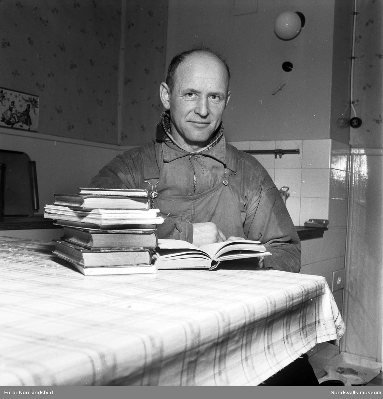 Martin Hagström, kommunalarbetare med språkstudier som hobby.