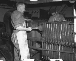 """Vardens arkiv. """"Sandar Fabrikker, Sandefjord"""""""" 07.07.1953"""