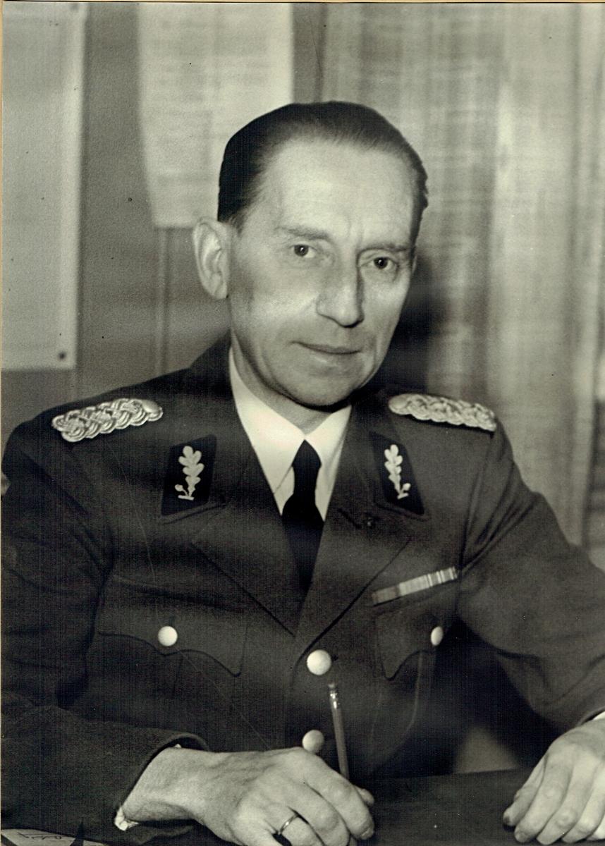 Portrett, Karl Martinsen