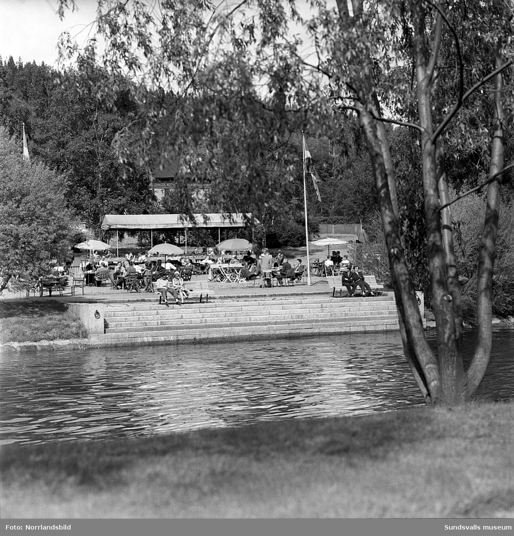 Kafé Ågläntan vid Selångersån, fotograferad från norr och söder.