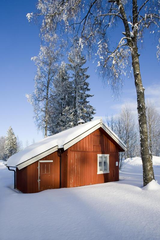 Furua, romanihuset i vinterlandskap