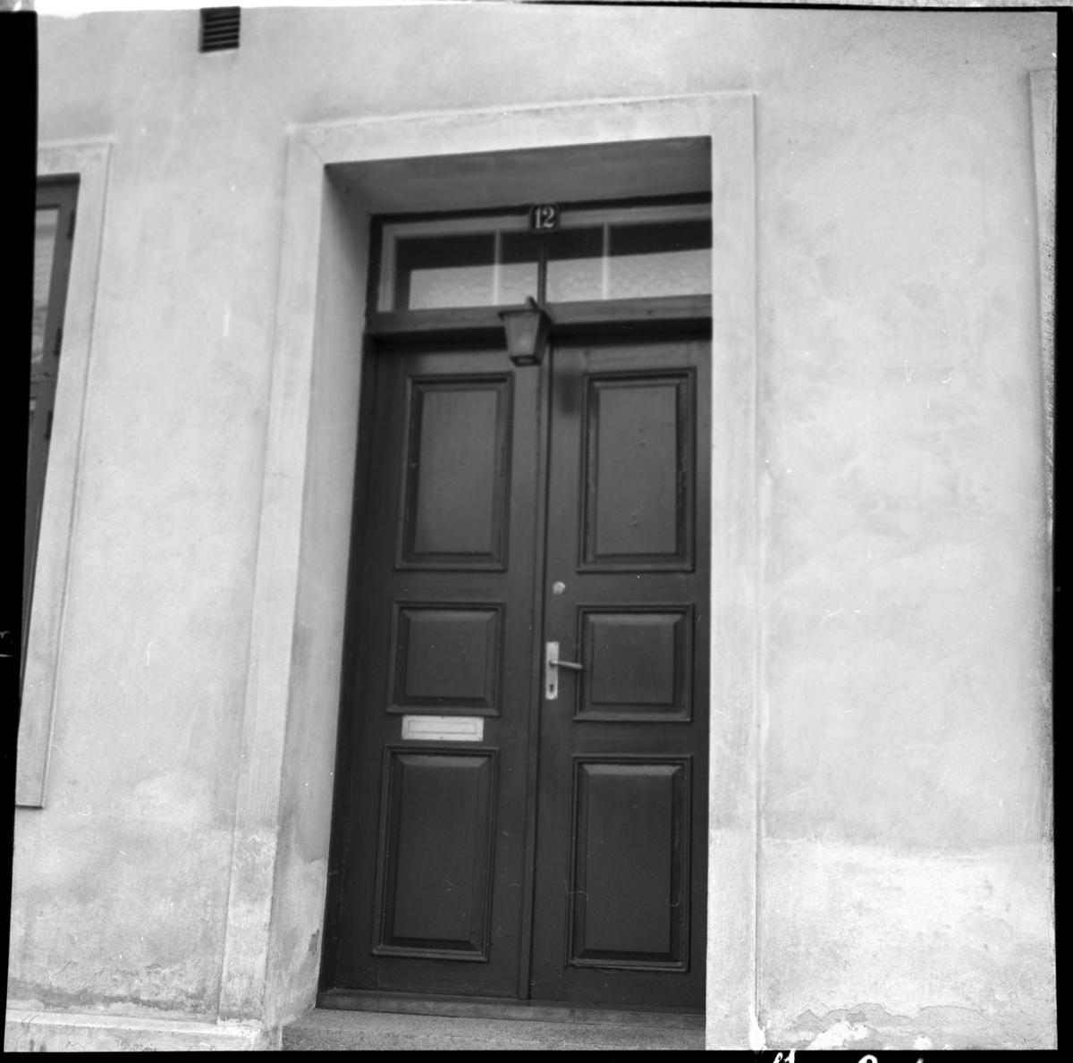 Entrén till villa Daghill i Helsingborg. Birger Sjöberg bodde i huset under sin tid i Helsingborg.
