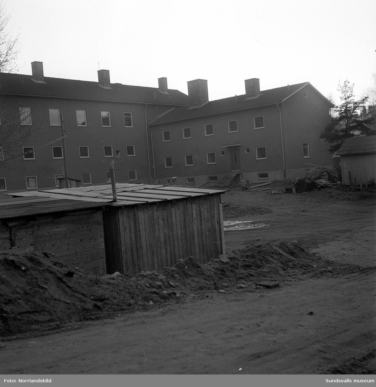 Nytt skolhus i Nolby. Numera (2016) är byggnaden en del av Nivrenaskolan, Kvissleby.