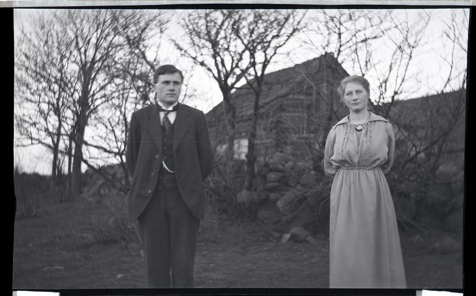 Peder Netland (1892 - 1981) og Agnes Netland f. Fidje (1900 - 1922)