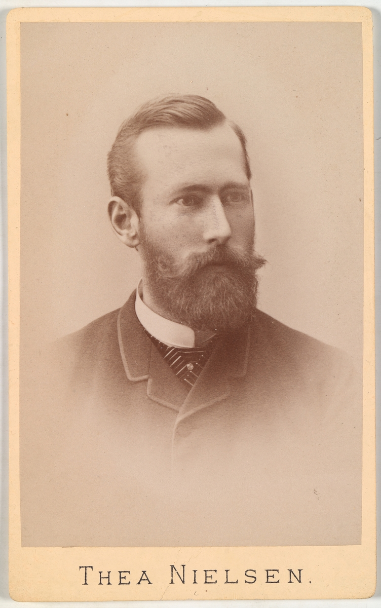 Portrett av uidentifisert mann.