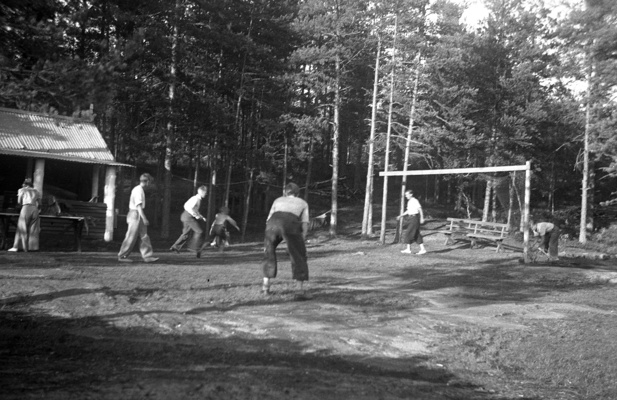 Football playing at the Ruudhytta cabin