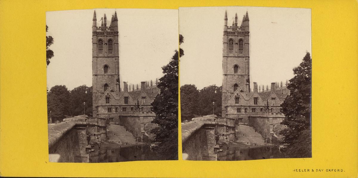 Stereobild av Magdalen Tower som hör till Magdalen College i Oxford.