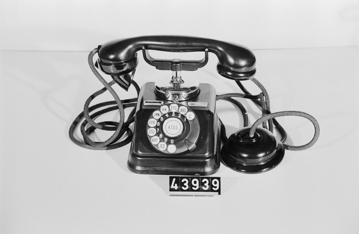 Telefonapparat, bordsmodell. För Automatsystem.