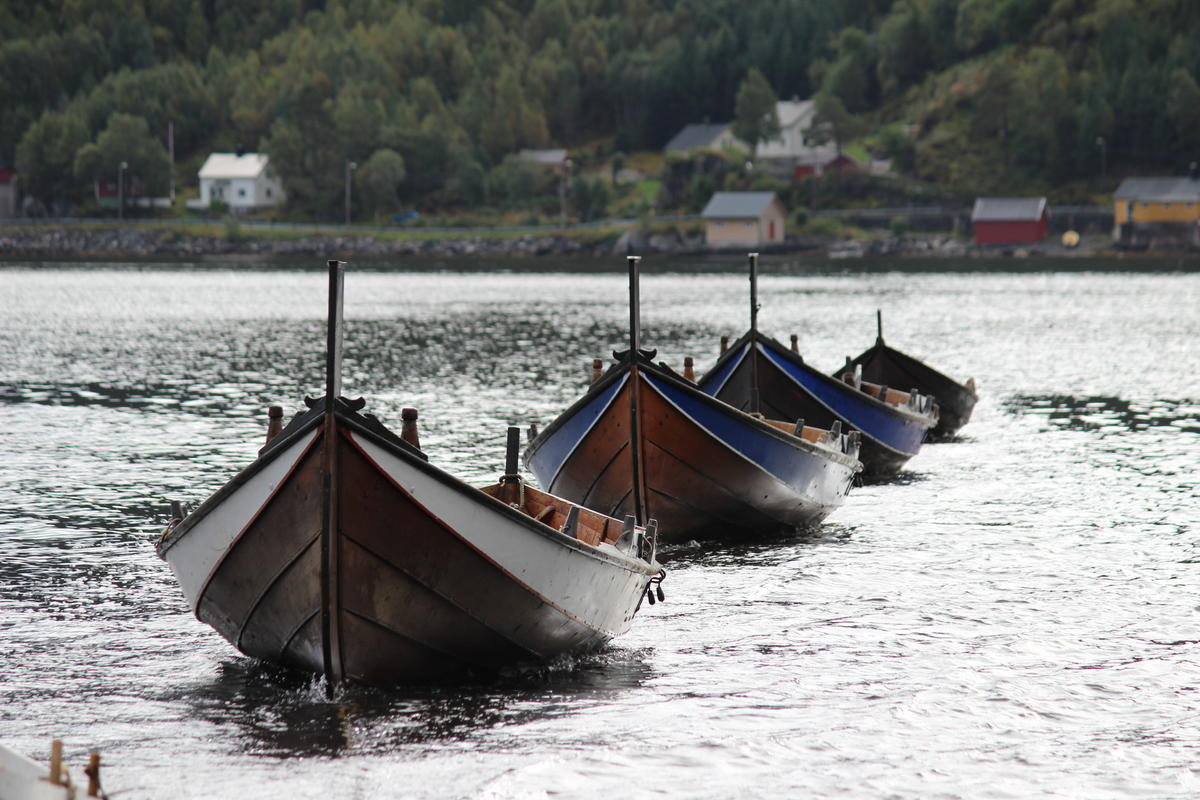 """Åfjord boat"" is the name of our local boat type. They also have names for their sizes. The boats on this picture are the size ""halvfjerming"" (23-27 ft), making them ""Åfjords halvfjerming""."