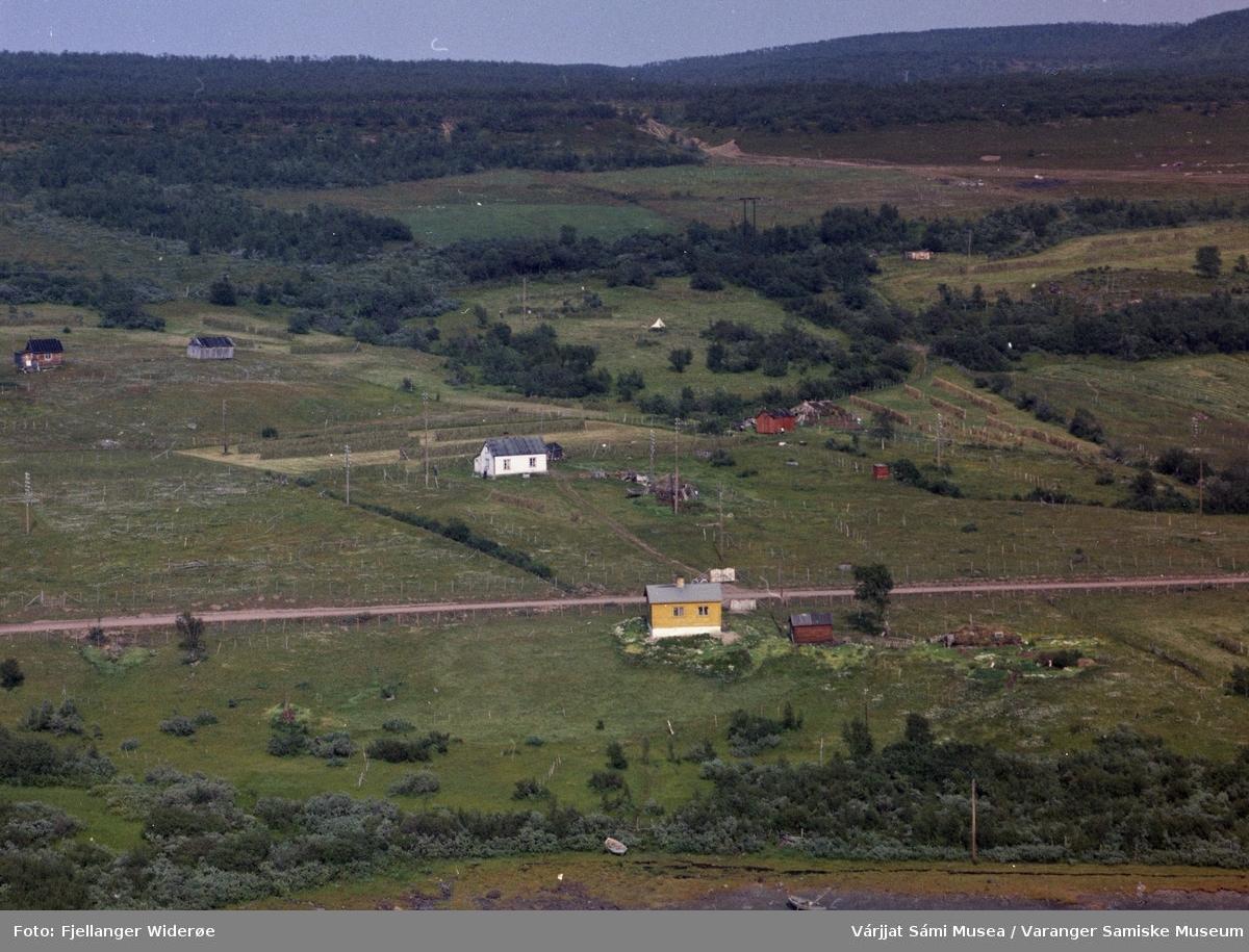 Flyfoto av Álddánjárga / Meskelv i Unjárgga gielda / Nesseby kommune 1963