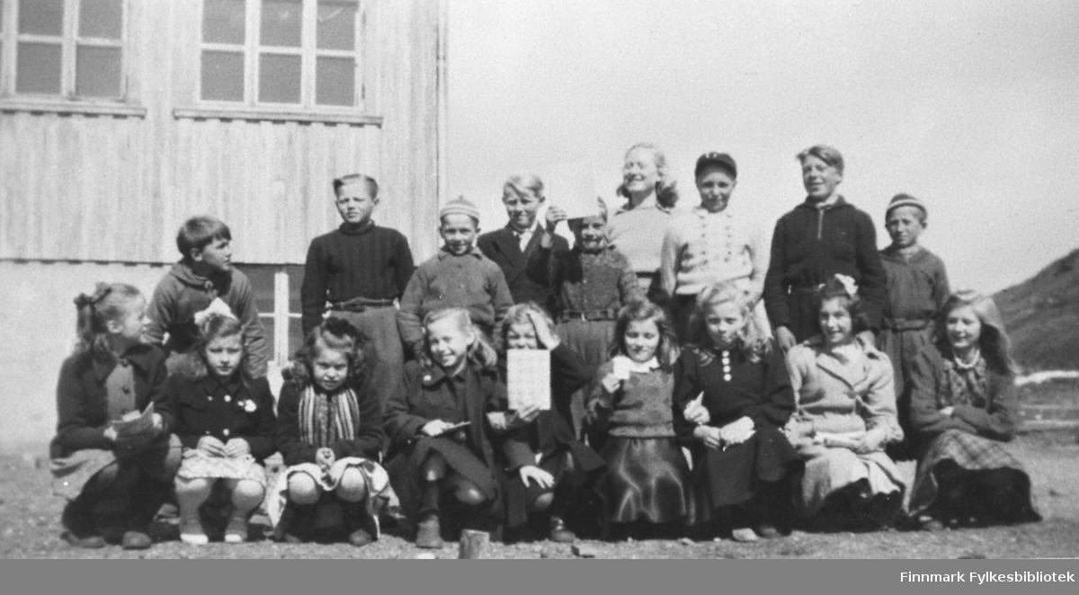 4de Klasse i Kiberg 1949/49. Gruppebilde.