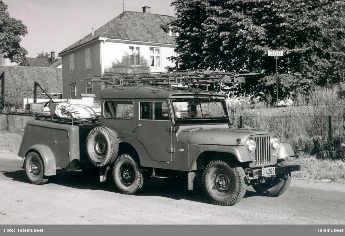 Landrover Jeep med tilhenger og utstyr D-4269 brukt av kabelgjengen, ca 1960.