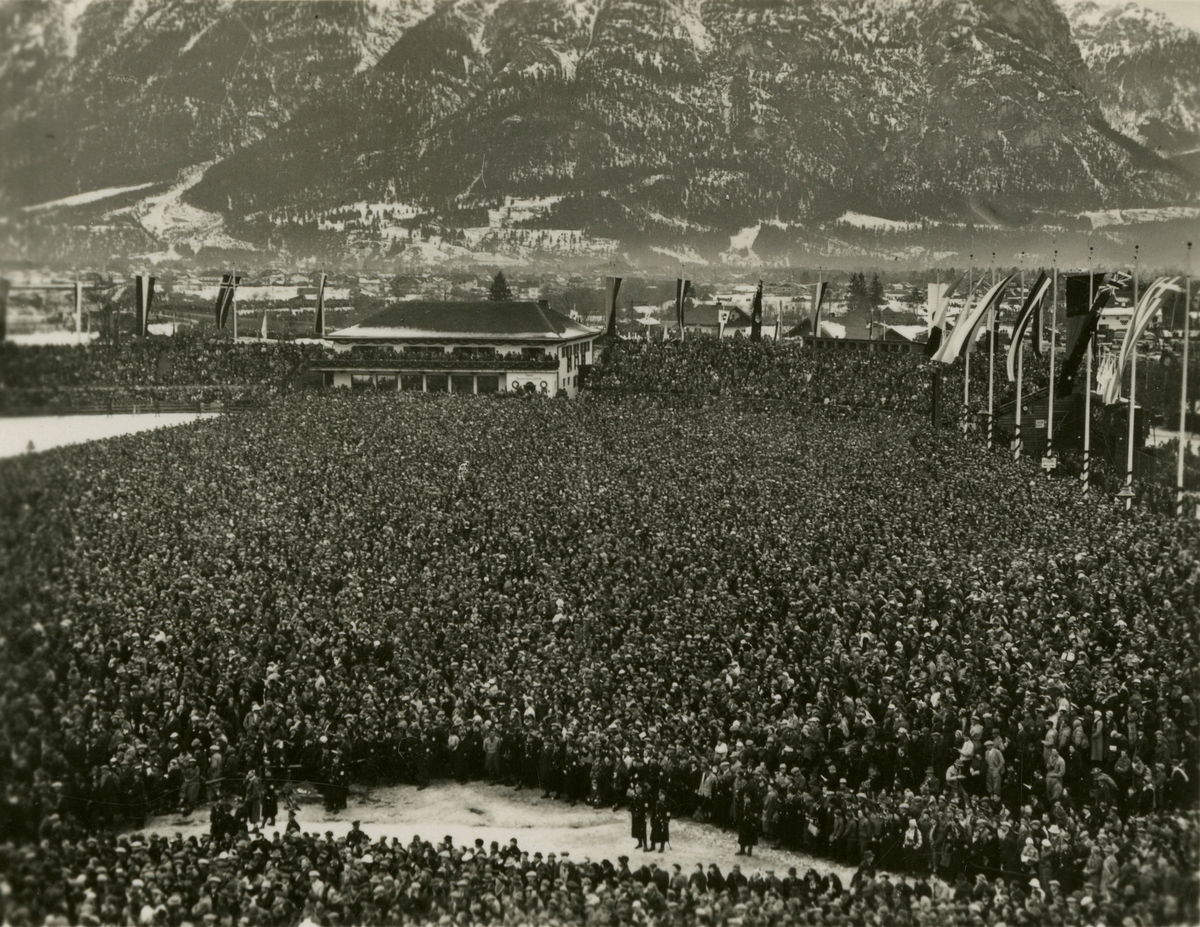 The crowd at the ski stadium at Garmisch