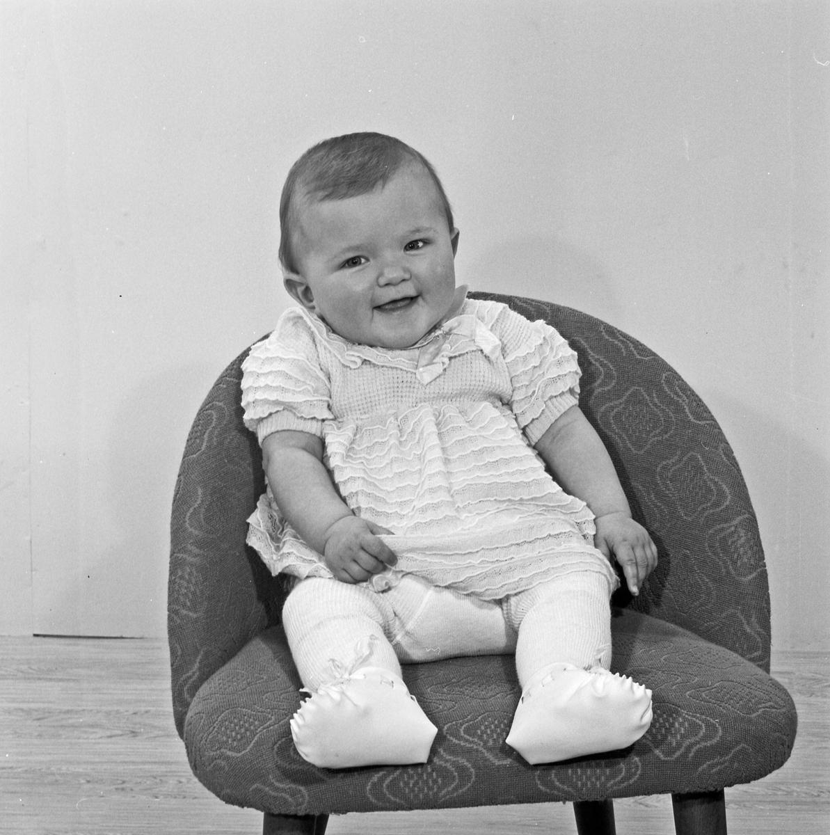 Portrett av et lite barn - bestiller Reidar Odland
