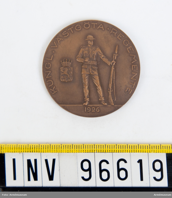 Medalj i brons för Västgöta regemente. Stansar 3602-03. Stansarna härdade 1926-08-13.