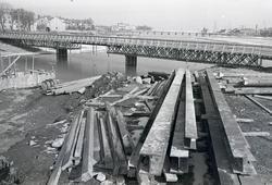 Nya Ängöbron växer fram.