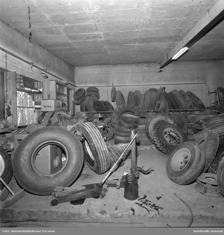 Interiörbilder från Sundsvalls Gummifabrik vid Ågatan.