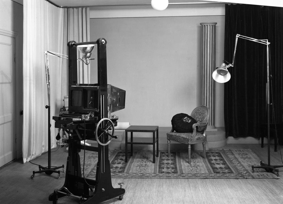 Interiör från fotografens ateljé 1943.