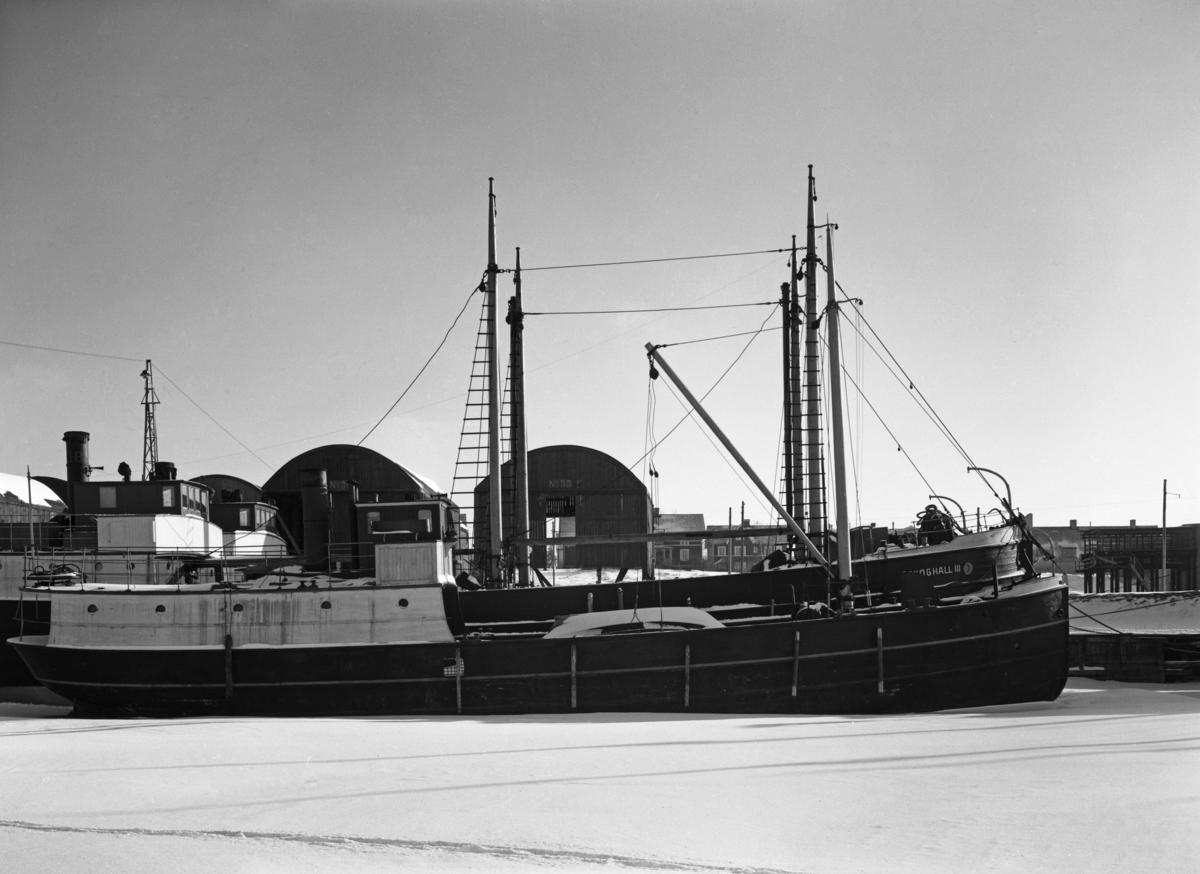Ångfartyget Mellerud och Skoghall III vid kaj i Skoghall.