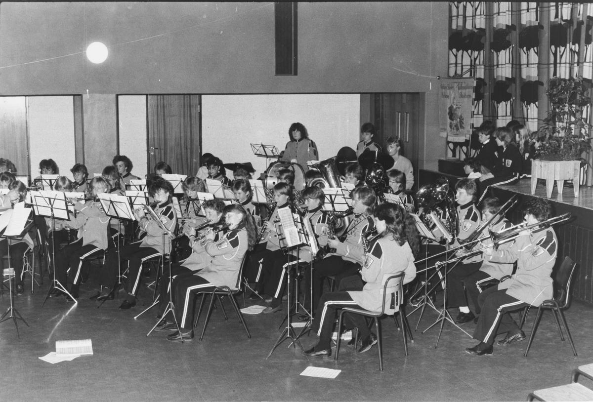 Kirkeby skolekoprs har konsert i Bjertnesaulaen