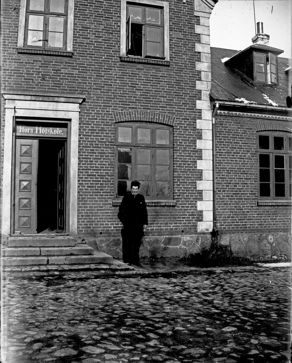 Flors Höjskole. Fotograf okänd.