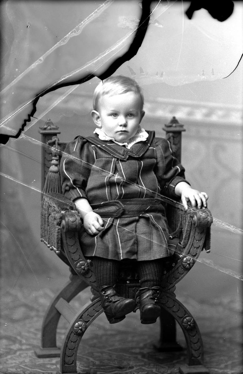 Smeden Axen som barn (trasigt foto), Fotograf okänd.