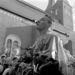 Studenterna, tredje d. 1960. En student håller tal vid Esai