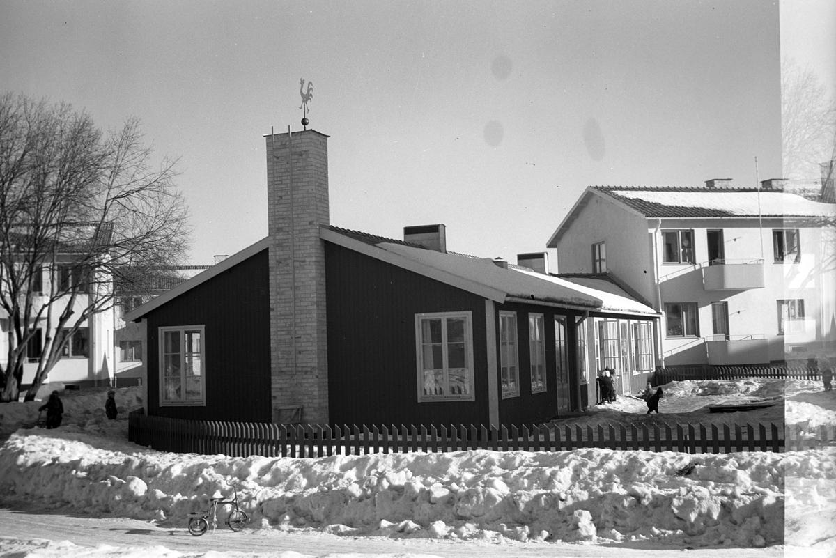 Engelbrektsgården, Klintbergsgatan 2, Gävle. Stadsvy över nybygge. 1948.