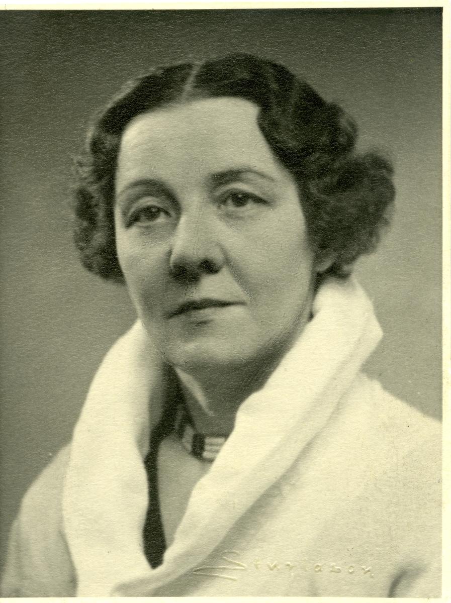 Elise Skogstad.