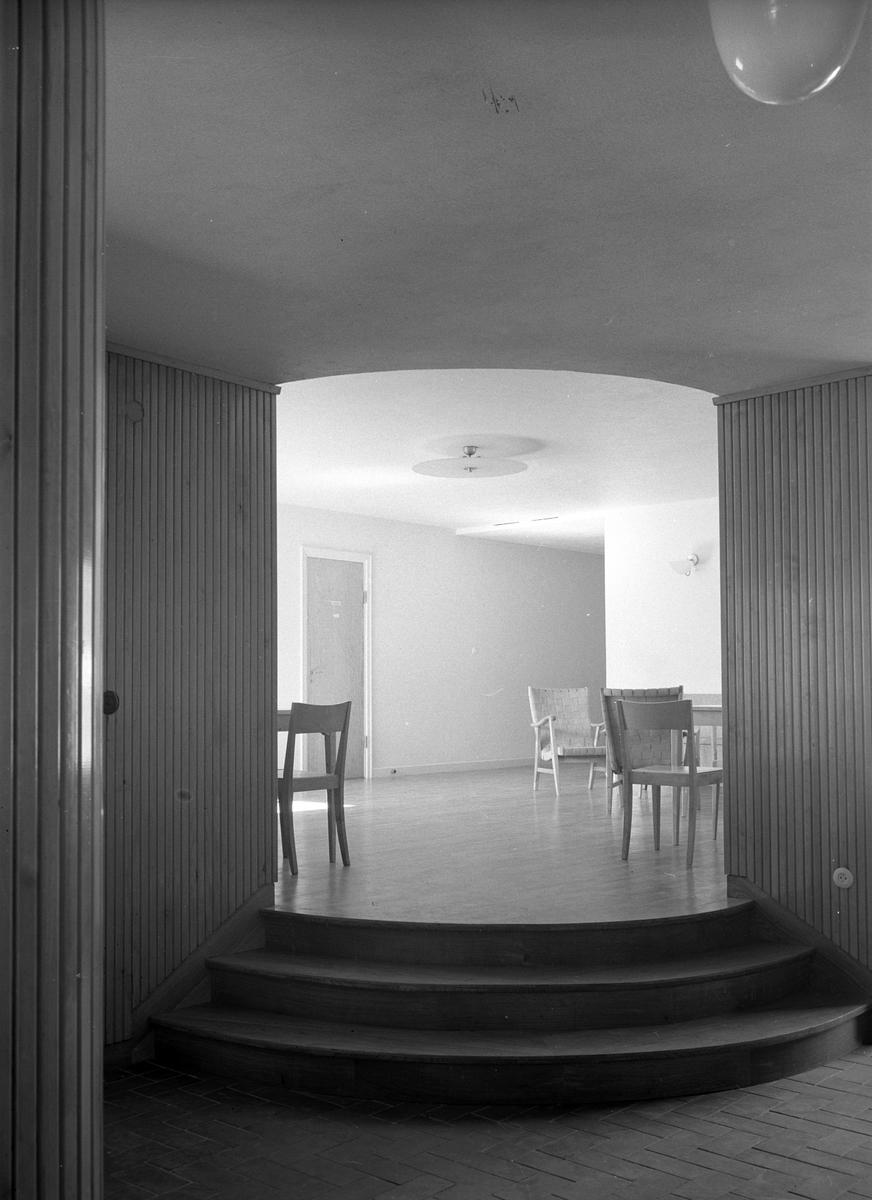 Interiör med stolar.