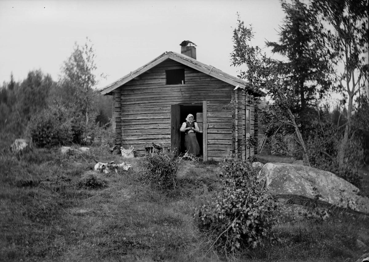 Rökstugbadstuga. Östra Rosbacken, Bredsjön, Lekvattnet, Värmland. Användes som snickar- och drängstuga.
