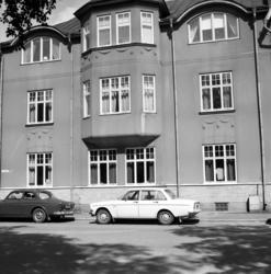 Exteriörbilder samt fasaddetaljer på fastigheten vid Östra L