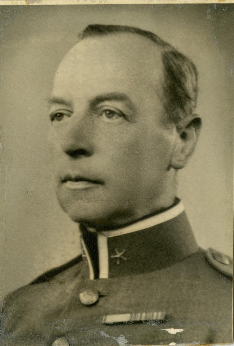 Porträtt av Carl Svante Ragnar Vrang, major vid Hälsinge regemente I 14.