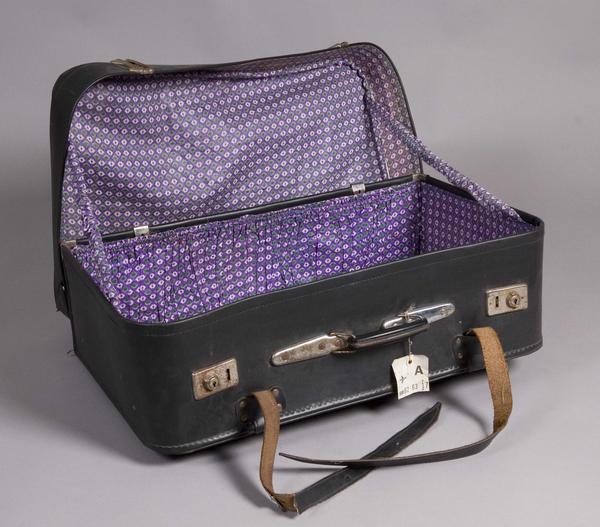 Koffert brukt under reise fra Pakistan.. Foto/Photo