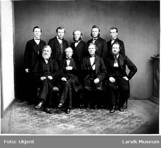 Gruppebilde 9 menn