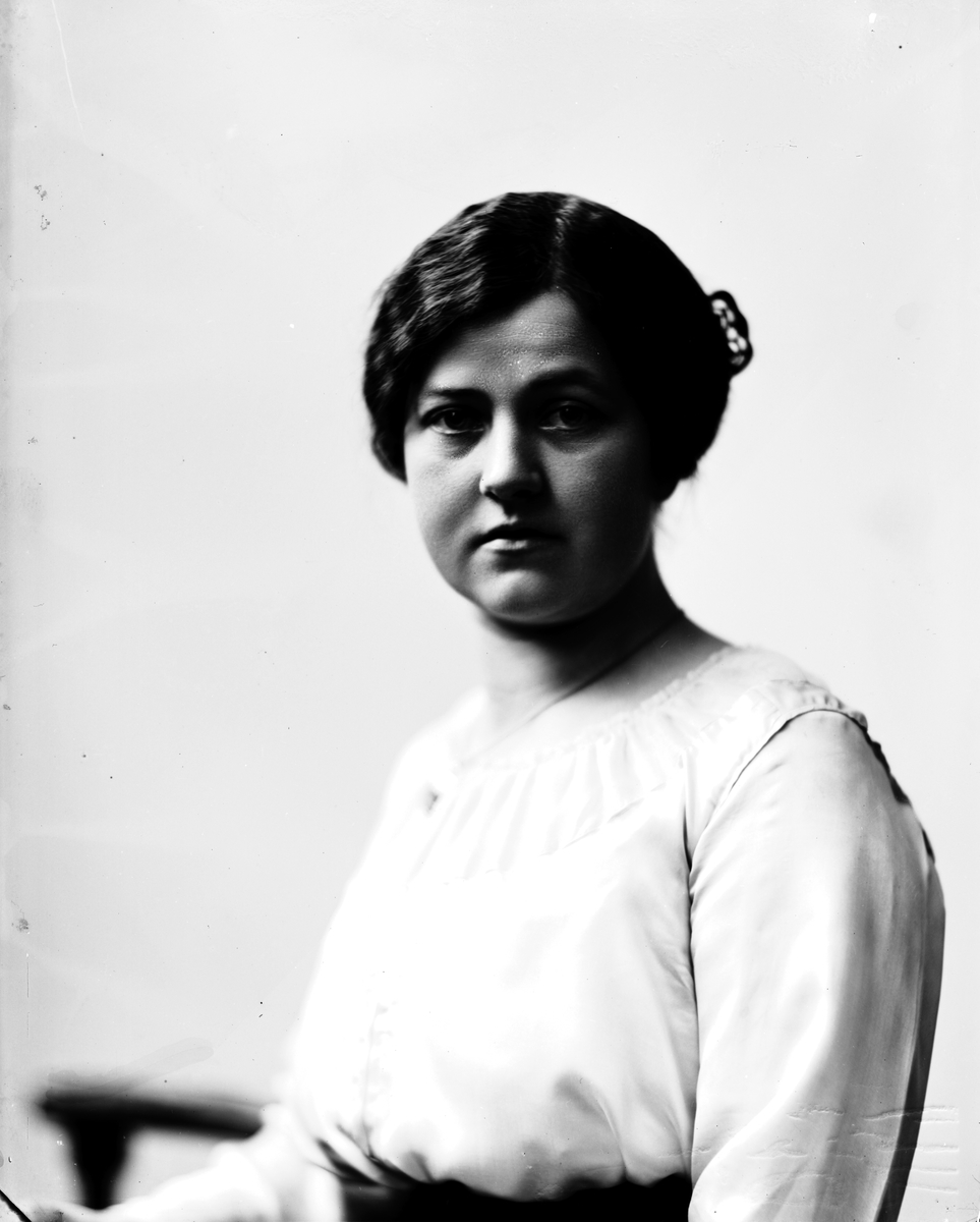 Fröken Ellen Strömberg, Staketgatan 15. Januari 1918