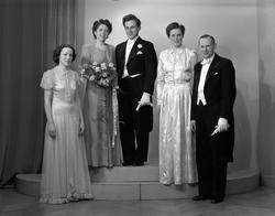 Brudpar Gösta Hemlin, Gavlegränd 5, Gävle. 31 december 1945.