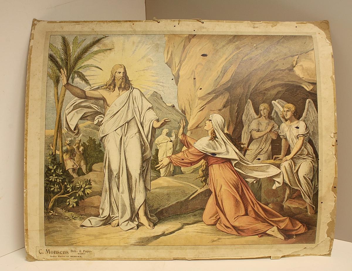 Rektangulær plakat. To mennesker i forgrunnen, seks mennesker i bakgrunnen. Jesus står opp fra de døde. Noen blekkflekker.