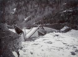 Skader etter isgang ved Haga vegbru over Gaula rett nord for