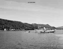 Tømmerslepebåten «MS Storsjø» fotografert i nordenden av inn
