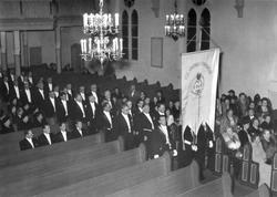 Bertil sitter i främre raden på vänster sida, andra från vän