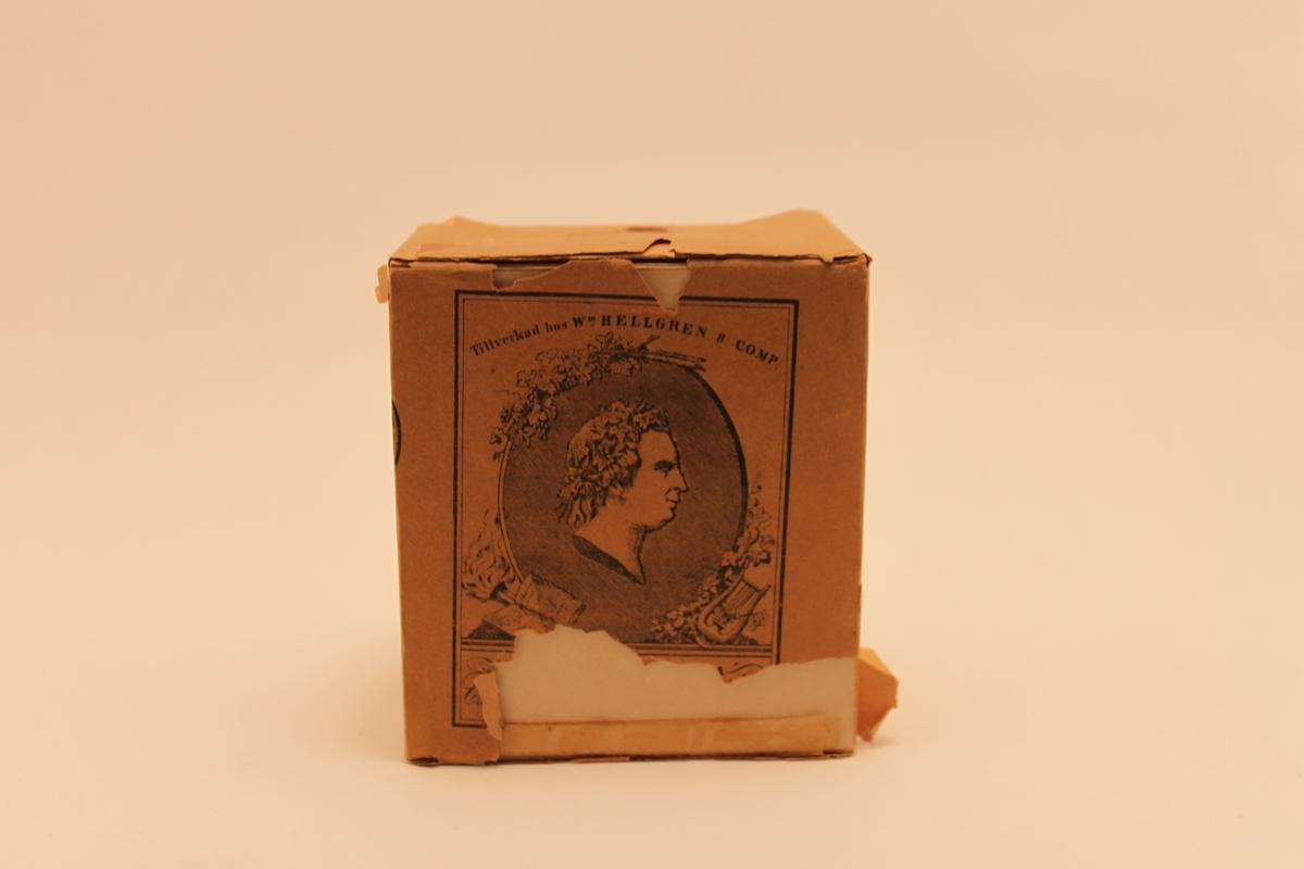 Pappersförpackning för piptobak.