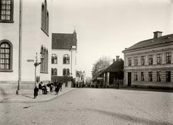 Orig. text: Storgatan från Borggården mot Stora torgetBygg