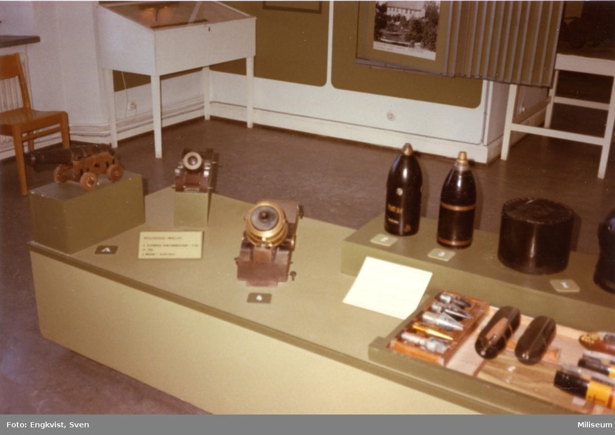 Muséum, Karlsborg. Modeller av artpjäser + ammunition.