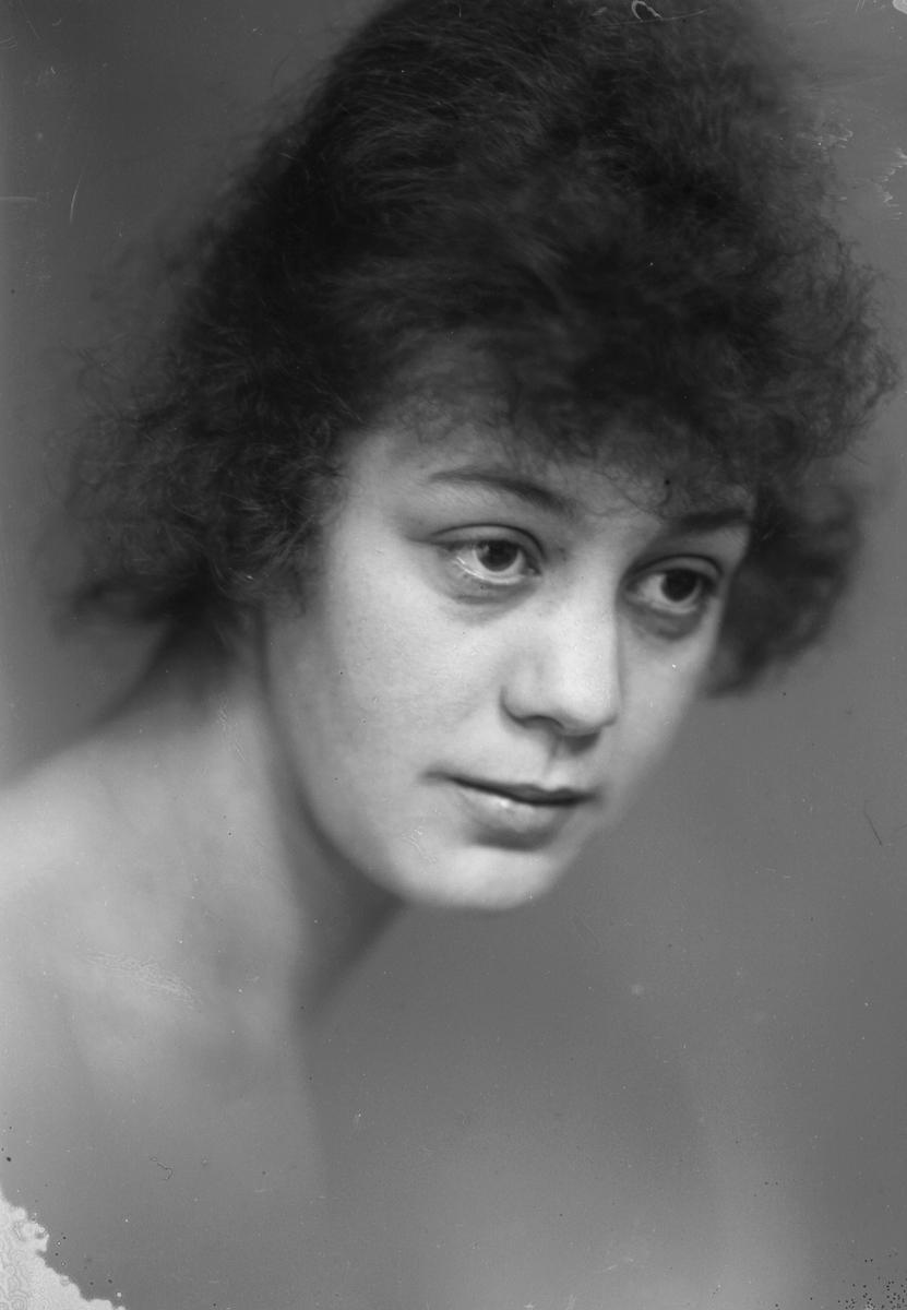 Fröken Näslund