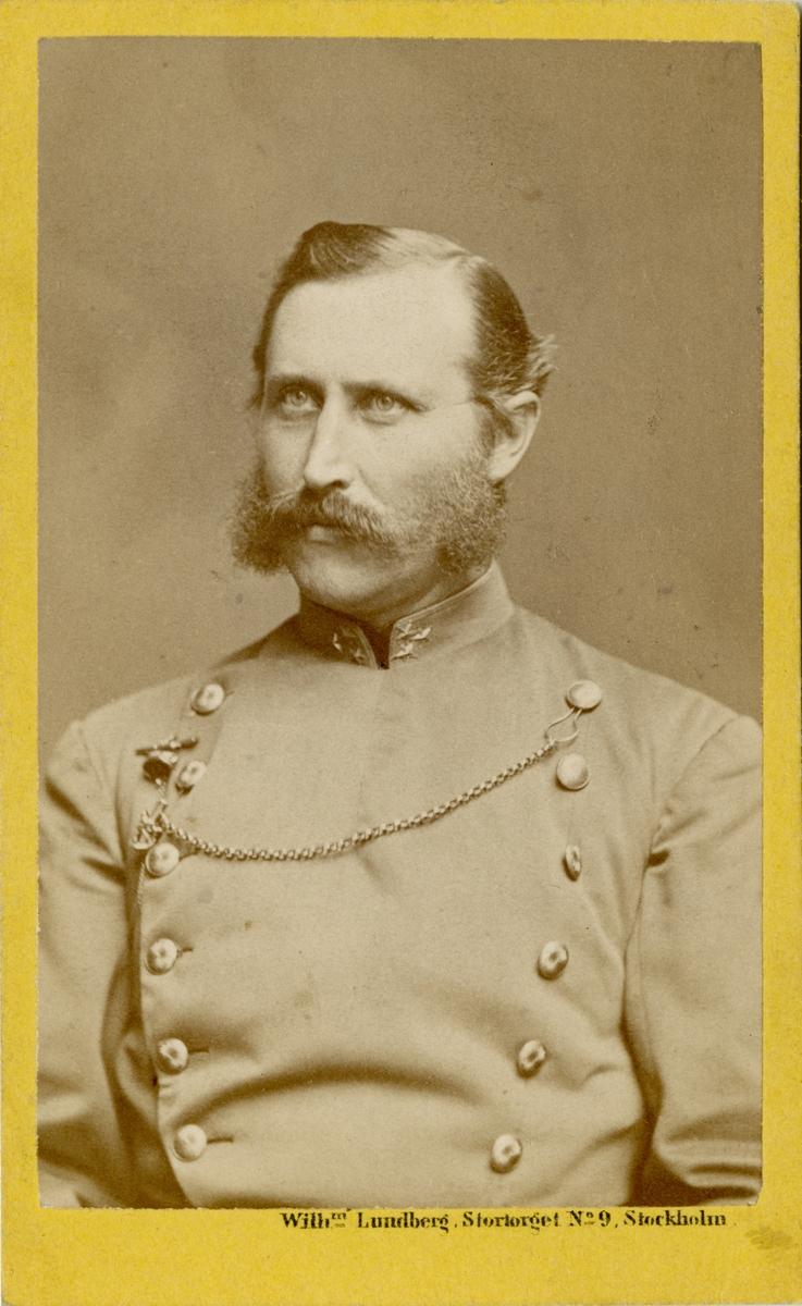Porträtt av Carl Gabriel Victor Norrman, kapten vid Fortifikationen. Se även bild AMA.0008126.