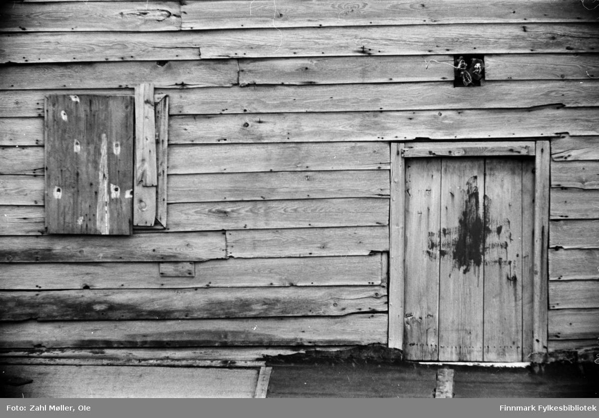 Fotografier fra Vadsø i tidsrommet 1967-68. Gammelt hus (1969).