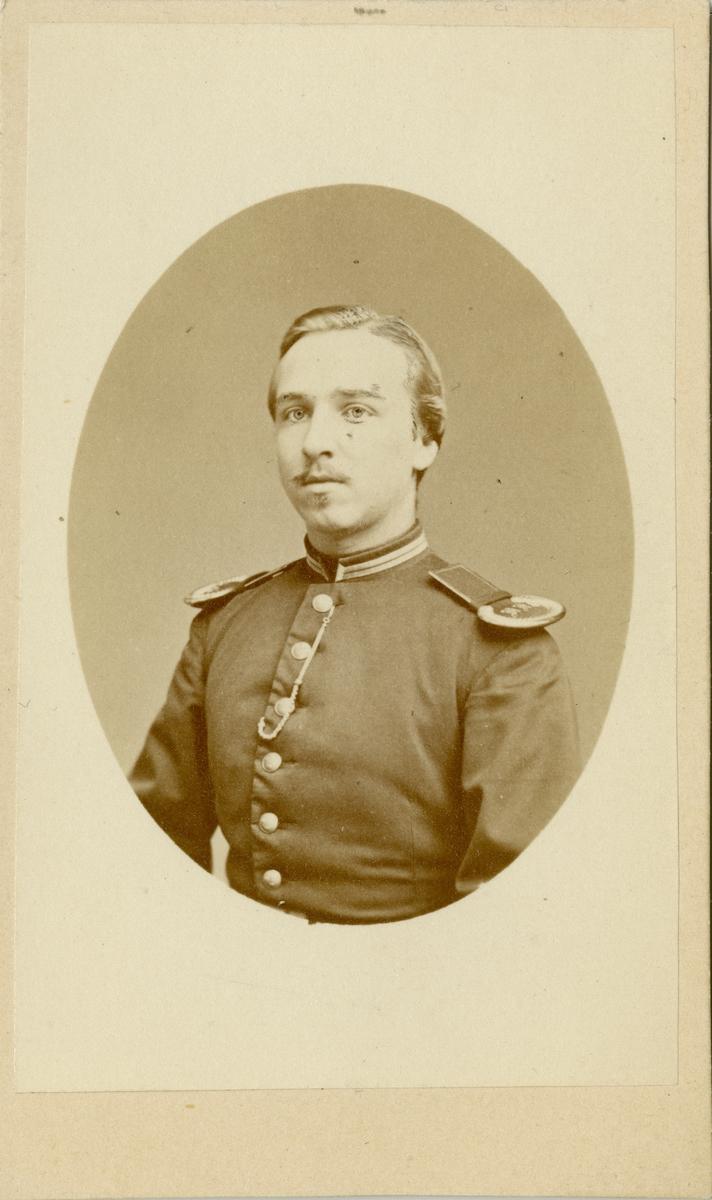 Porträtt av Gustaf Albert Höijer, officer vid Västerbottens fältjägarkår I XIX.